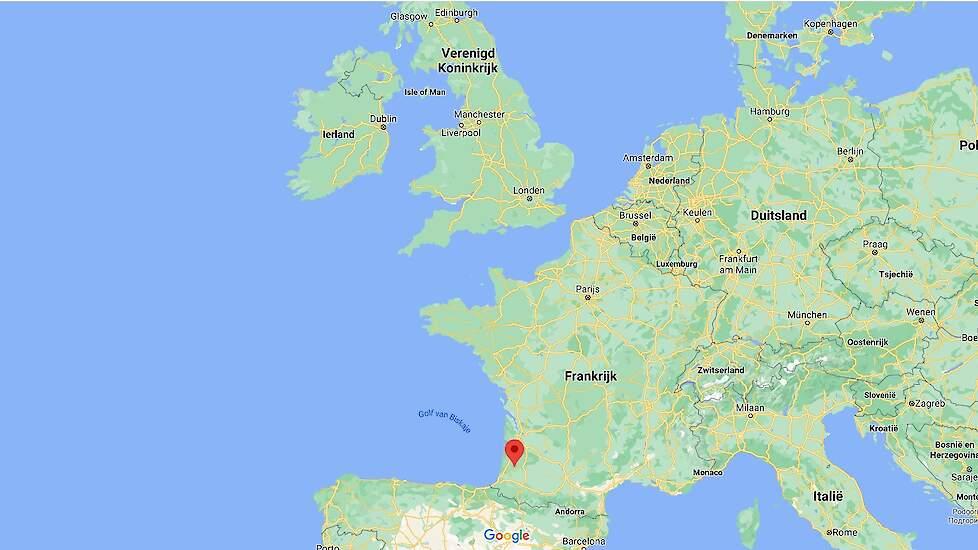 In het departement Landes (rode punt op de kaart) in het zuidwesten van Frankrijk zijn al 326 uitbraken van hoog pathogene vogelgriep vastgesteld.