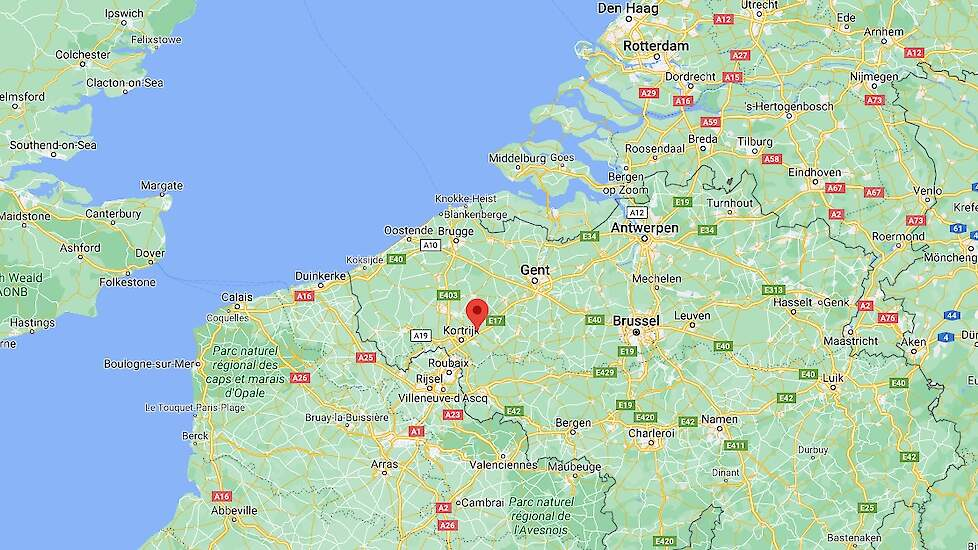Op een kalkoenbedrijf in Deerlijk (zie rode punt op de kaart) in de provincie West-Vlaanderen in het zuidwesten van België is hoog pathogene H5N8 vogelgriep vastgesteld op vrijdag 29 januari.